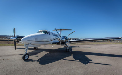 2005 Beechcraft King Air B200: 423 since overhaul