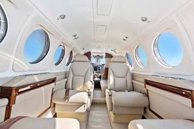 2005 Beechcraft King Air B200: New Interior