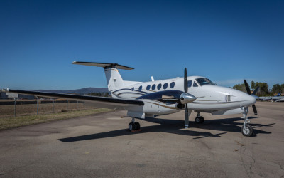 2005 Beechcraft King Air B200: Meisinger Aviaton BB-1905