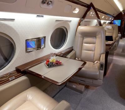 2001 Gulfstream G-IV SP: Club Table