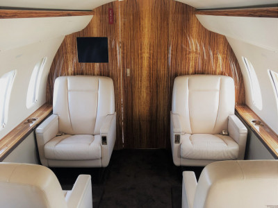 2009 Bombardier Challenger 605: Forward Cabin
