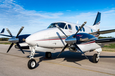 2000 Beechcraft King Air C90B: