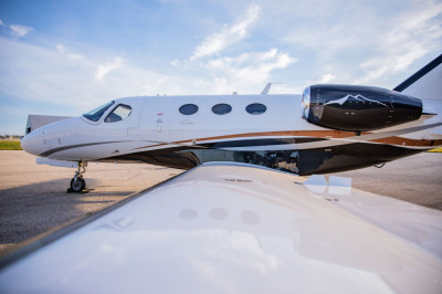 2012 Cessna Citation Mustang: Exterior, from wingtip 1