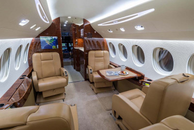 2008 Dassault Falcon 7X: Forward Club