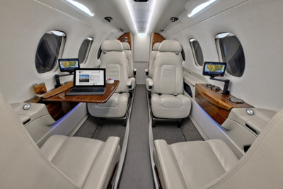 2011 Embraer Phenom 300: Main Aft