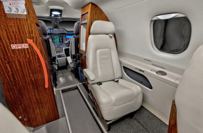2011 Embraer Phenom 300: Galley