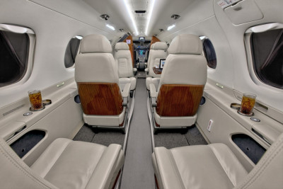 2011 Embraer Phenom 300: Main Forward