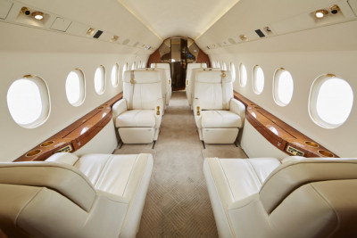 2006 Dassault Falcon 2000EX EASy II: Cabin view from fwd