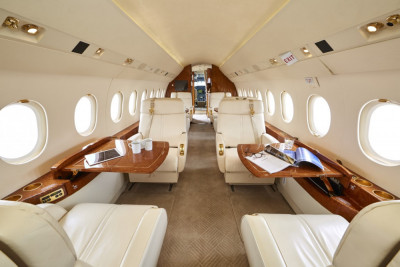2006 Dassault Falcon 2000EX EASy II: Cabin from Aft