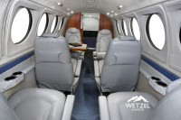 2001 Beechcraft King Air B200: Aft Cabin Detail View
