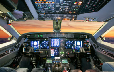 2004 Gulfstream G400: Flight Deck